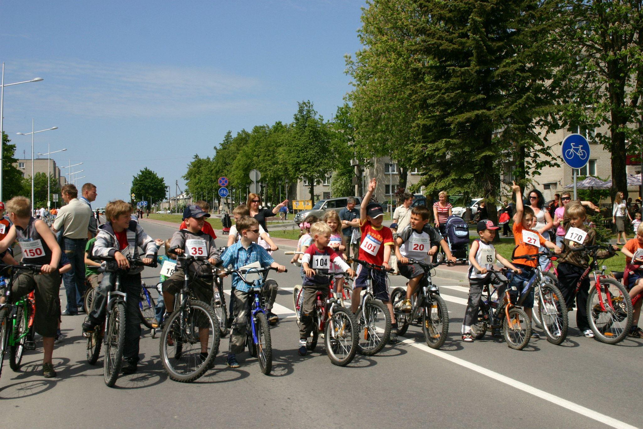 Dviračiai ir dviratininkai Gargžduose